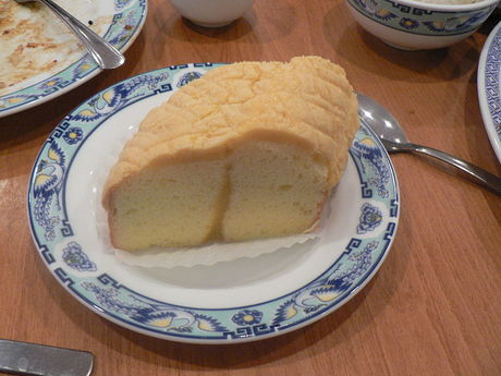 800px-Sponge_cake.jpg