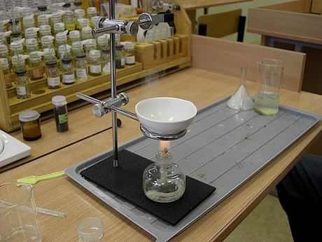 Alcohol_spirit_lamp.jpg