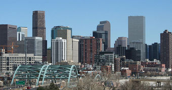 800px-2006-03-26_Denver_Skyline_I-25_Speer.jpg